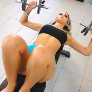 HOT Fit Girl Does Home Workout To Look Sexy For Fitness Shoots